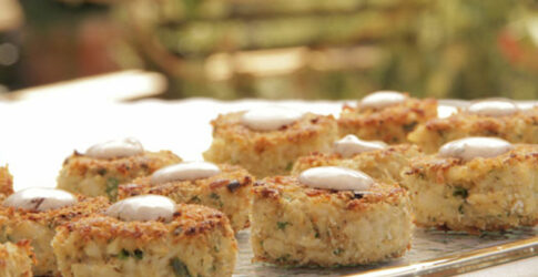 Crab Cakes With Chipotle Dipping Sauce
