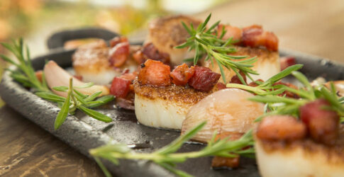 Caramelized Scallops with Green Apple Salad