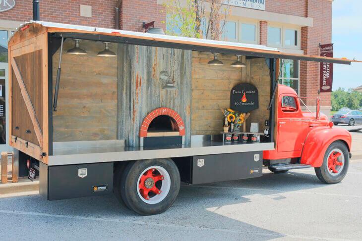 Mugnaini oven on a truck
