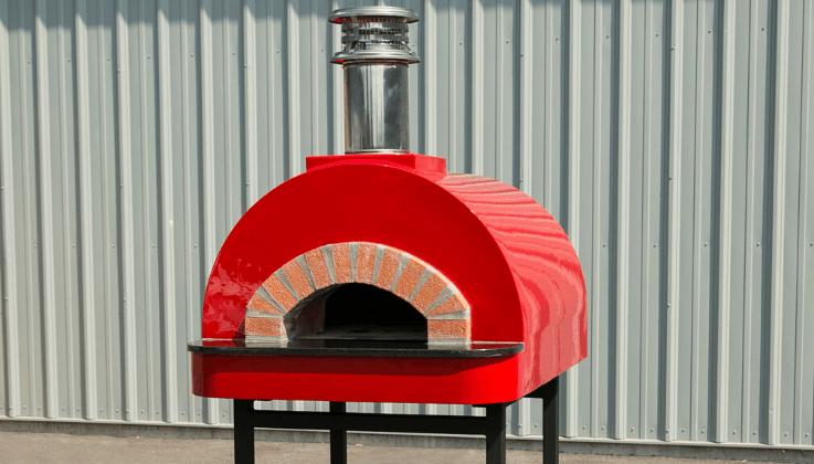 Mugnaini Piccolo 80 oven in red